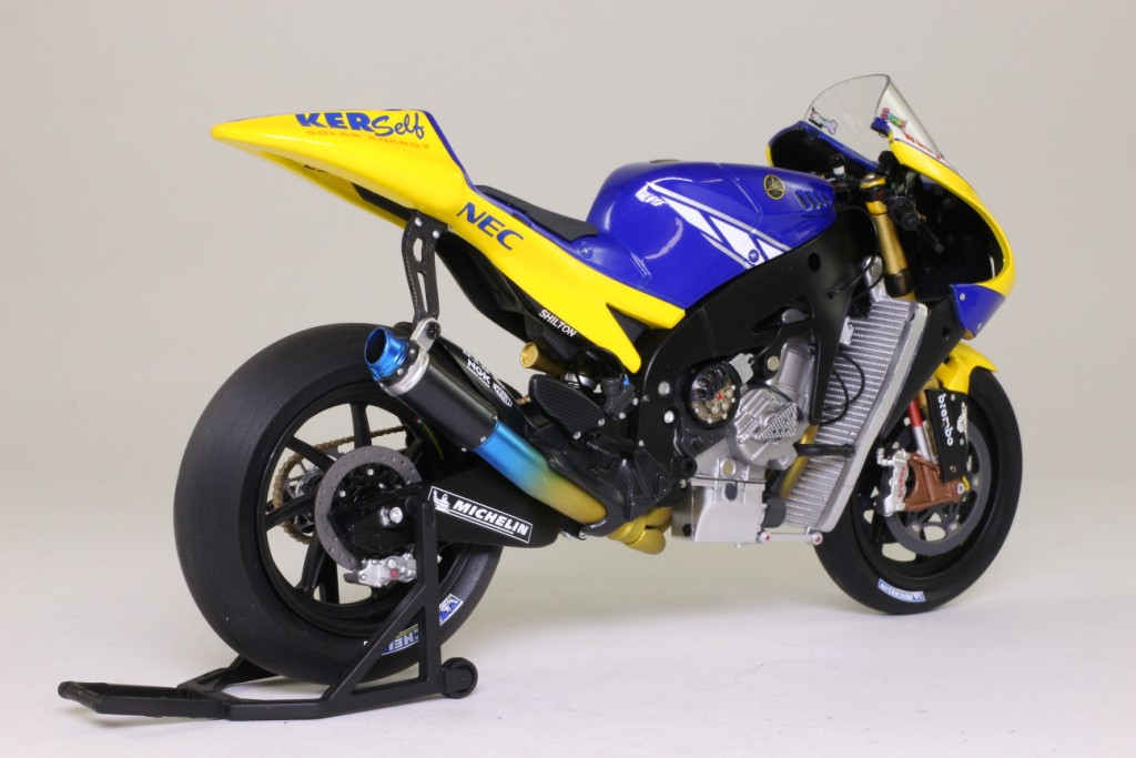 Minichamps 1 12 scale yamaha yzr m1 bike james toseland for Yamaha m1 for sale