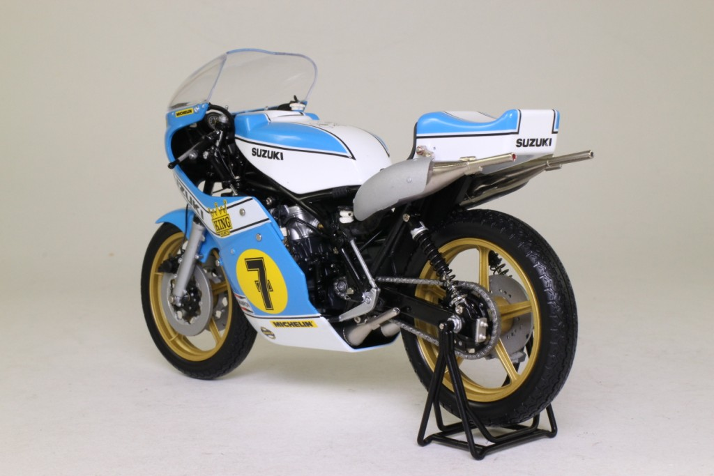 minichamps 1975 suzuki xr14 barry sheene grand prix bike excellent boxed ebay. Black Bedroom Furniture Sets. Home Design Ideas