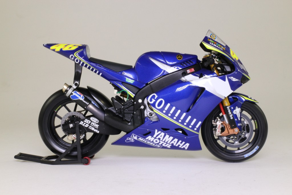 Minichamps 1 12 yamaha yzr m1 valentino rossi moto gp for Yamaha m1 for sale
