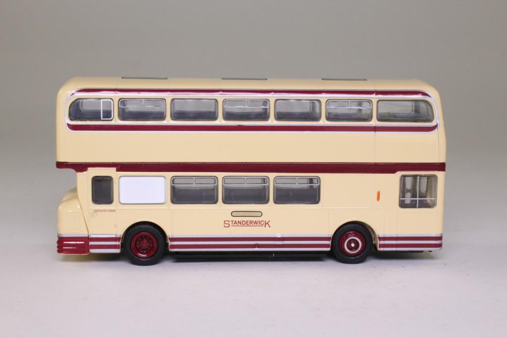 Bus Gay 81