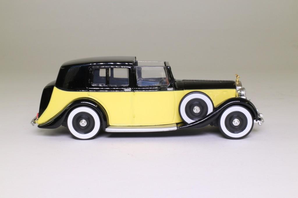 corgi james bond goldfinger 39 s rolls royce with oddjob. Black Bedroom Furniture Sets. Home Design Ideas