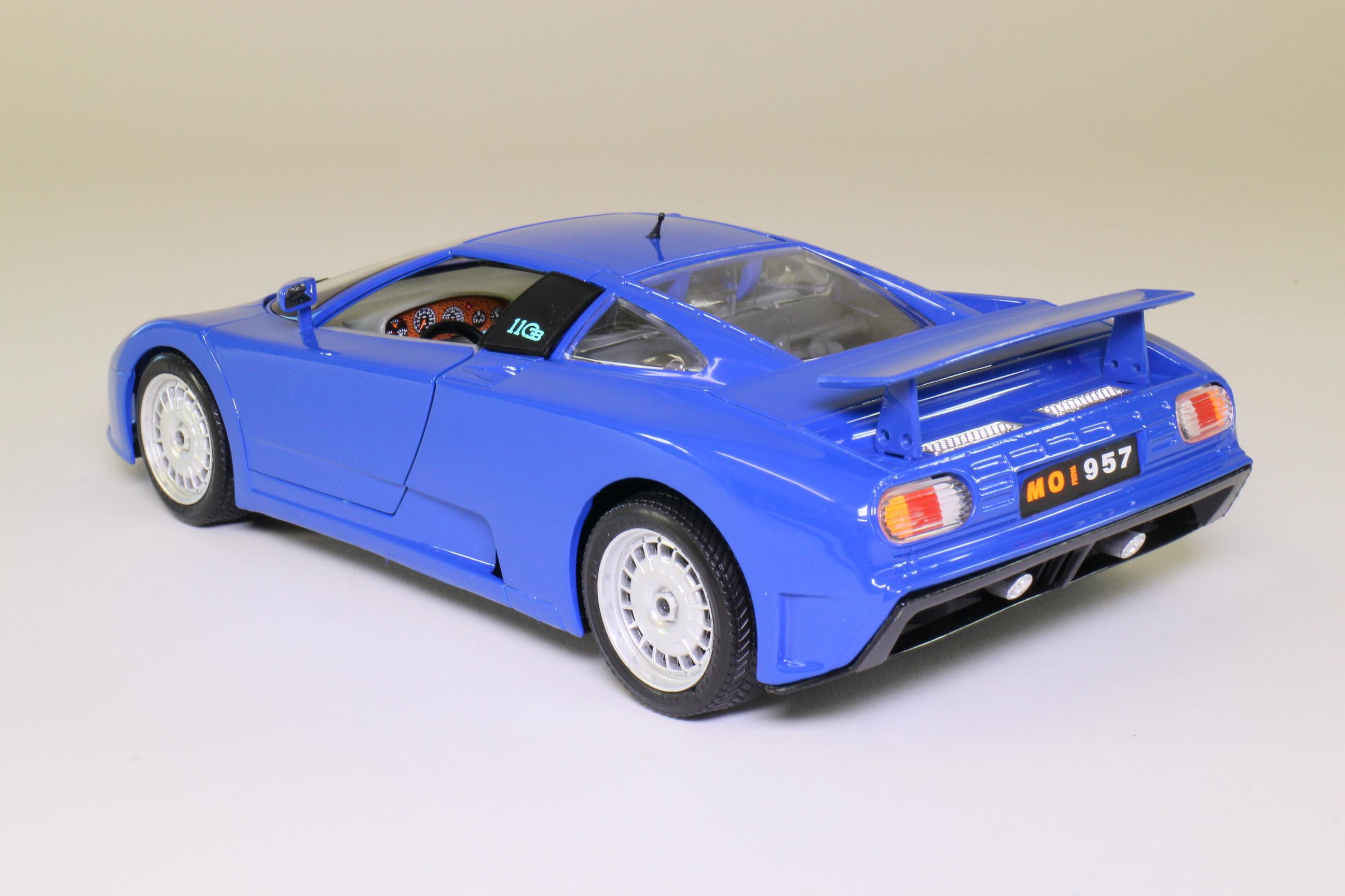 burago 3035; 1991 bugatti eb110; 1:18 scale, light blue; excellent