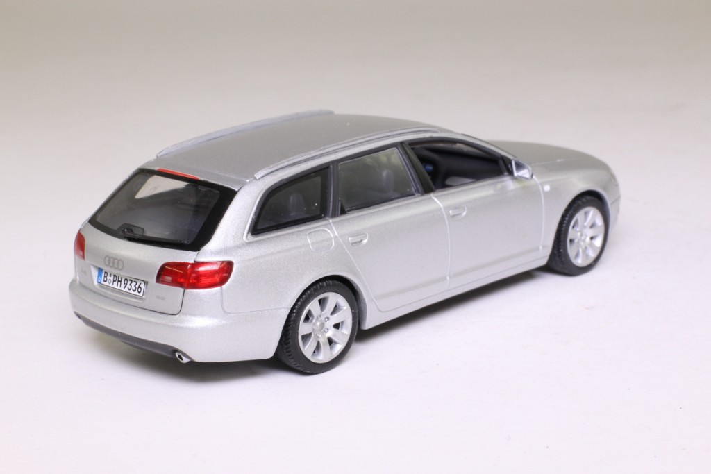 minichamps 1 43 scale 2006 audi a6 avant silver metallic excellent boxed ebay. Black Bedroom Furniture Sets. Home Design Ideas