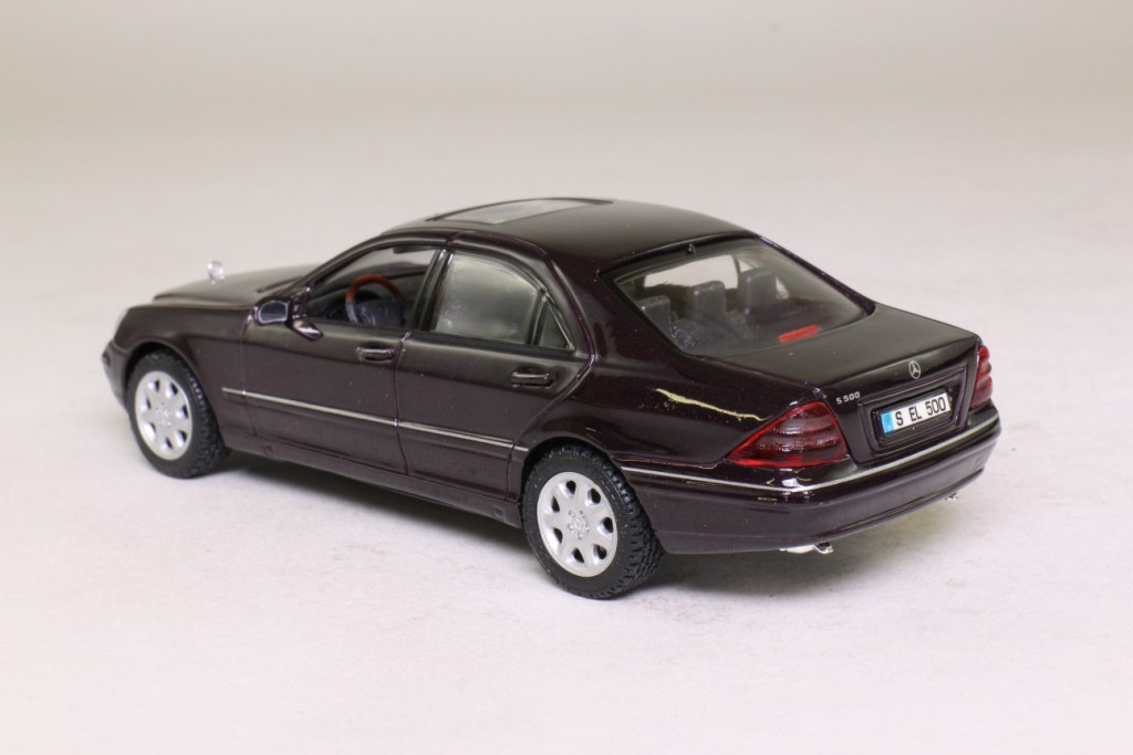 Maisto 1 43 scale 1998 mercedes benz s class black for Mercedes benz s class 1998