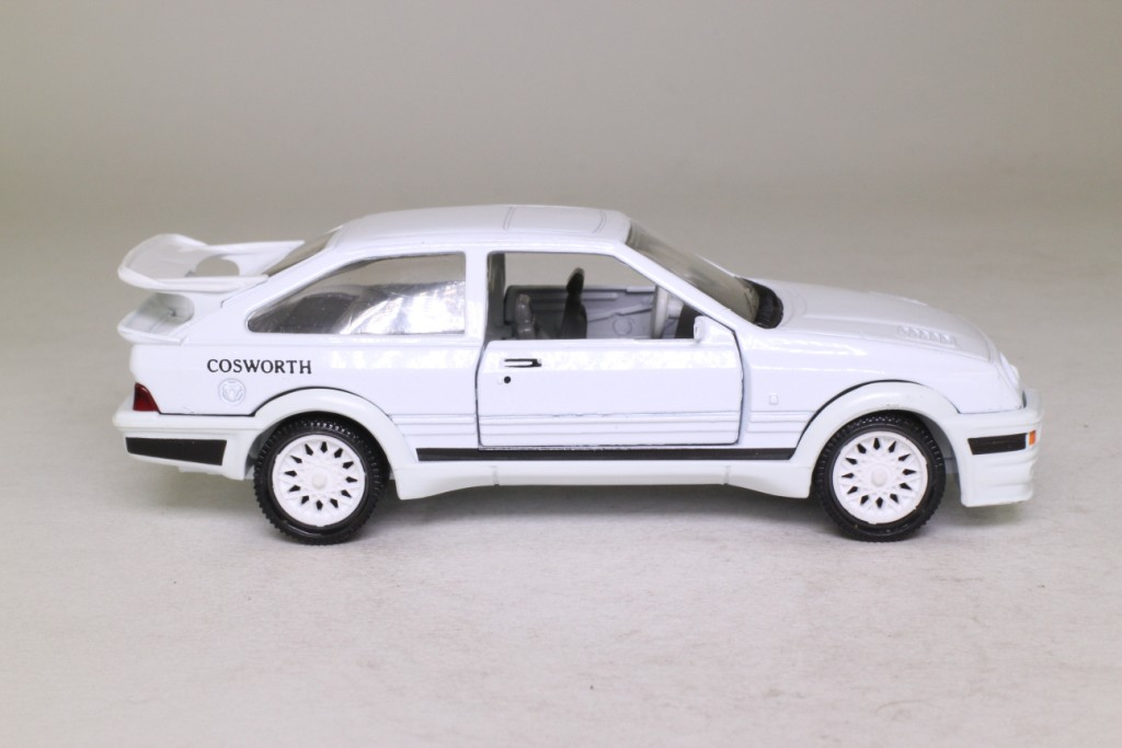 MATCHBOX Ford Sierra Cosworth Shell huiles en 1:36 TH SCALE k162