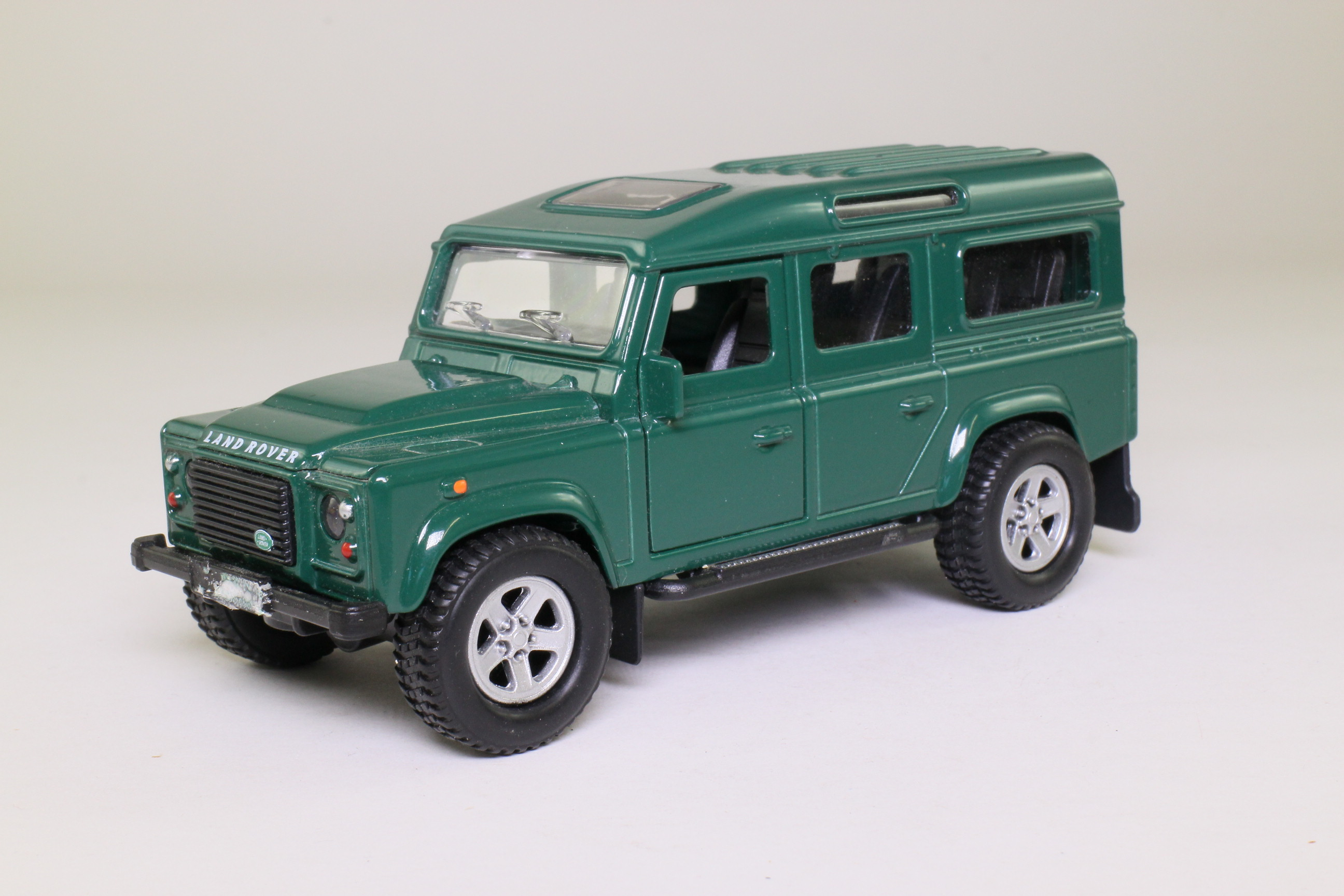 teamsters land rover defender 110 station wagon dark green excellent boxed ebay. Black Bedroom Furniture Sets. Home Design Ideas