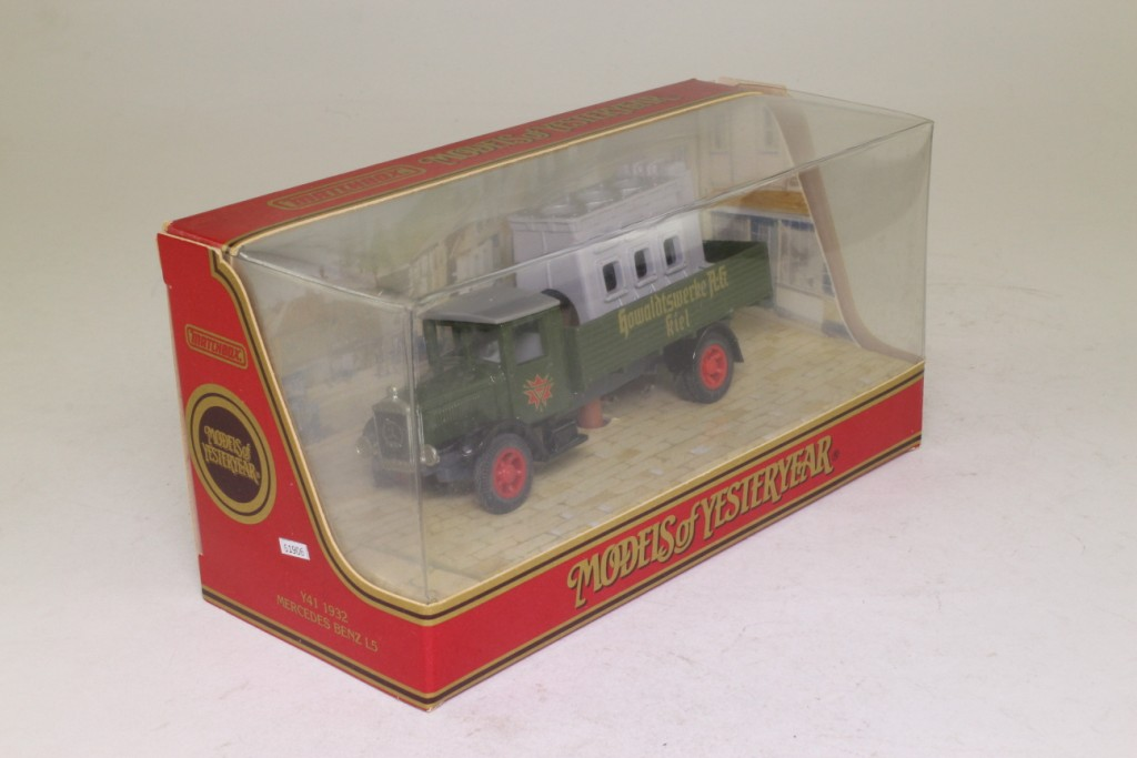 models of yesteryear 1932 mercedes truck marine engine load excellent boxed ebay. Black Bedroom Furniture Sets. Home Design Ideas