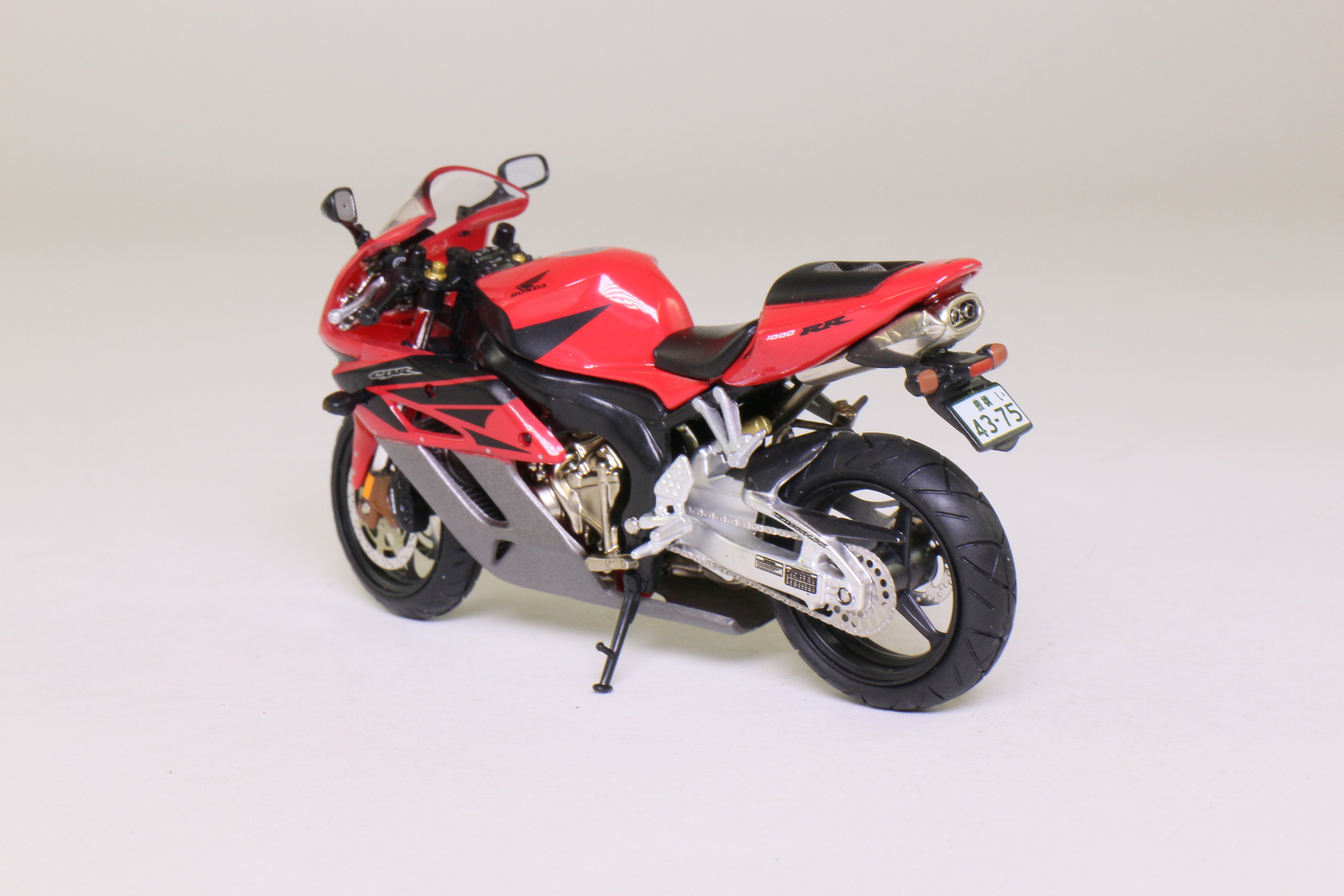 atlas editions honda fireblade cbr1000rr motorcycle red grey sealed boxed ebay. Black Bedroom Furniture Sets. Home Design Ideas