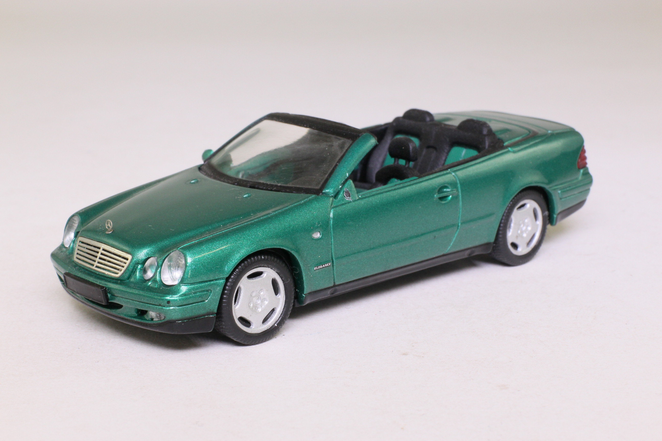 schuco mercedes benz clk cabrio metallic green very good boxed little wheels. Black Bedroom Furniture Sets. Home Design Ideas