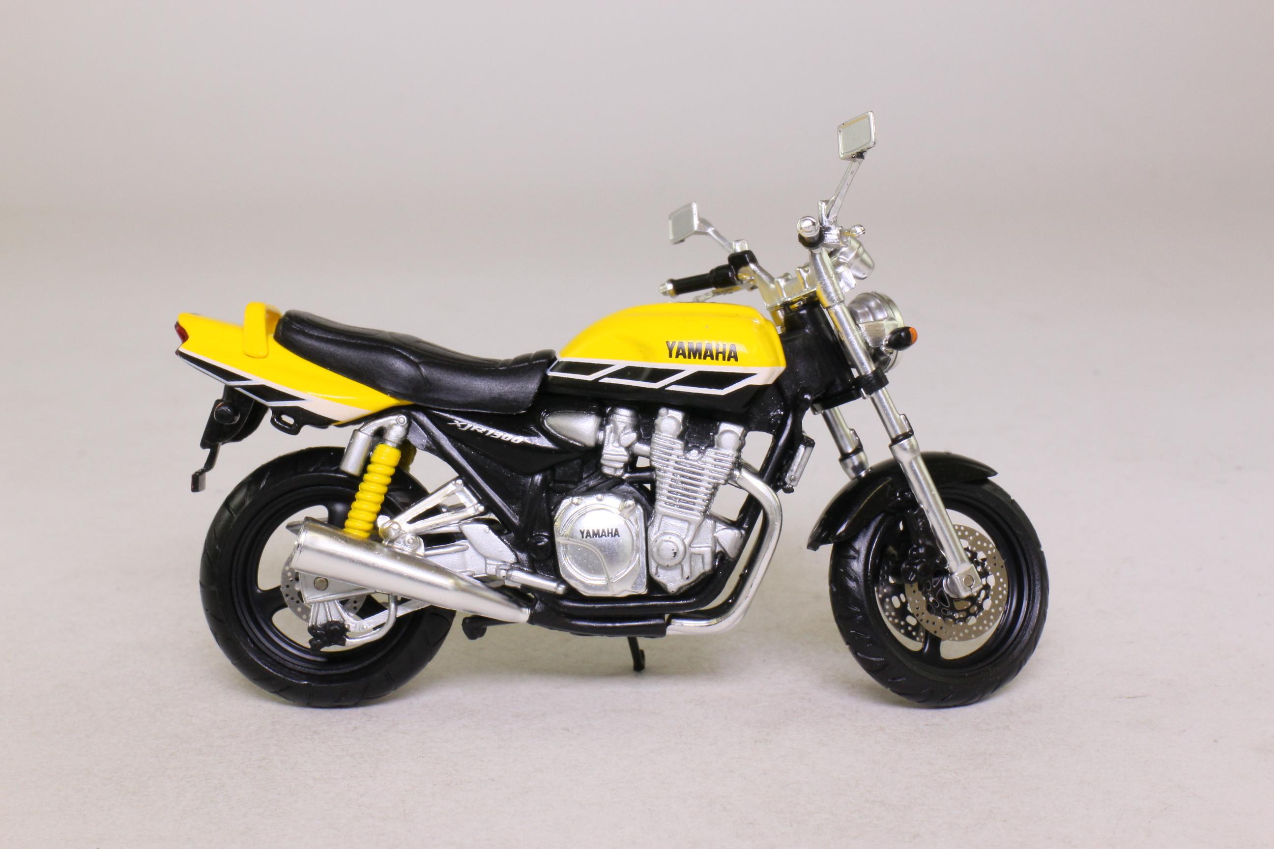 Ixo 1 24 scale yamaha xjr 1300 motorcycle yellow black for Yamaha 1300 motorcycle