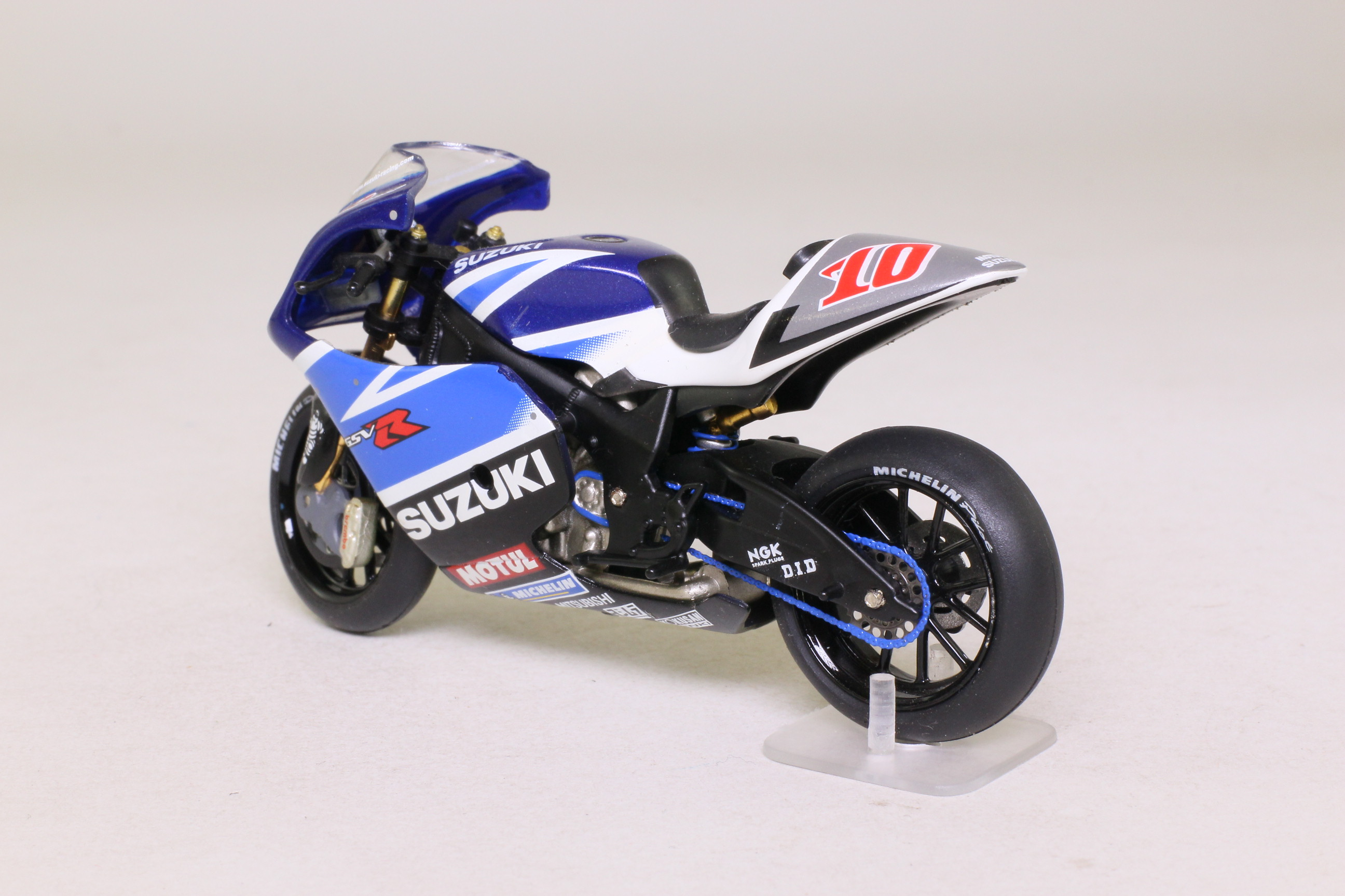 Good ... IXO; Suzuki GSV R Moto GP Motorcycle; 2003, K Roberts, RN10 ...