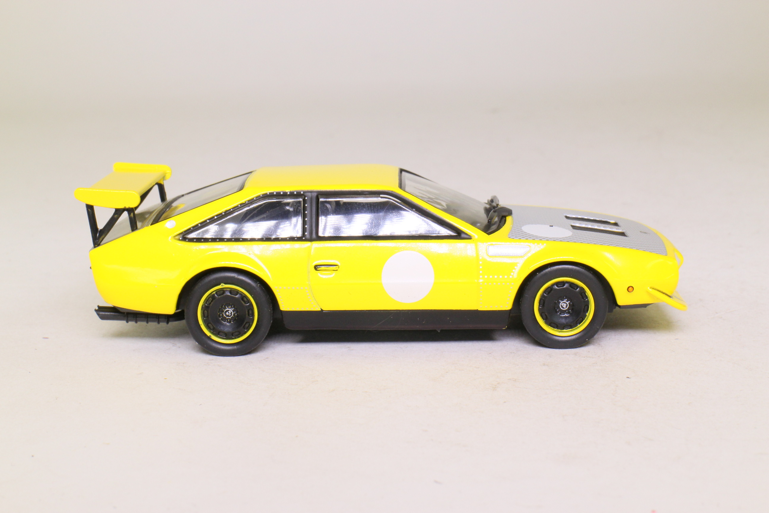 White Box WB503; 1973 Lamborghini Jarama Rally; Yellow; Very Good ...