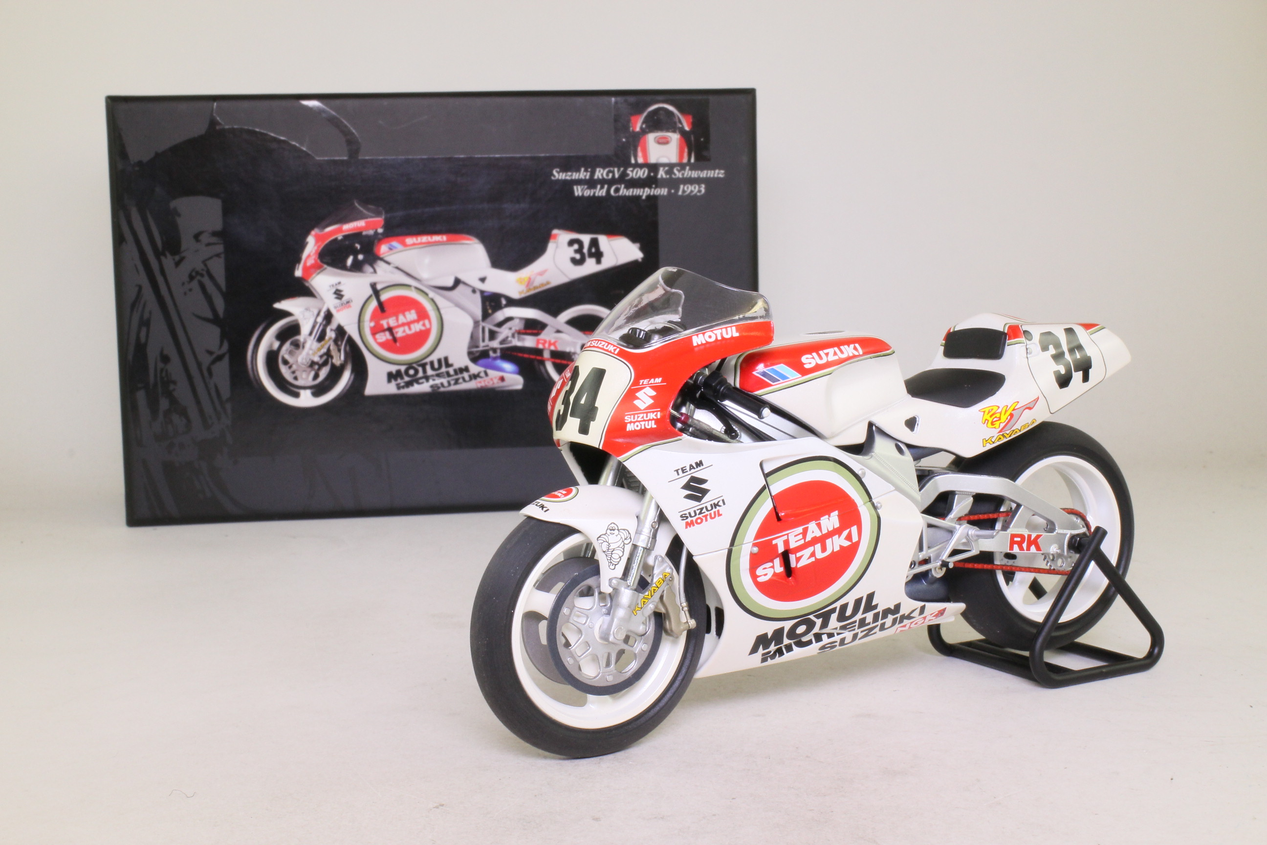 Minichamps 122 932034; Suzuki RGV 500 Motorcycle; 1993 World Champion; K Schwantz; RN34