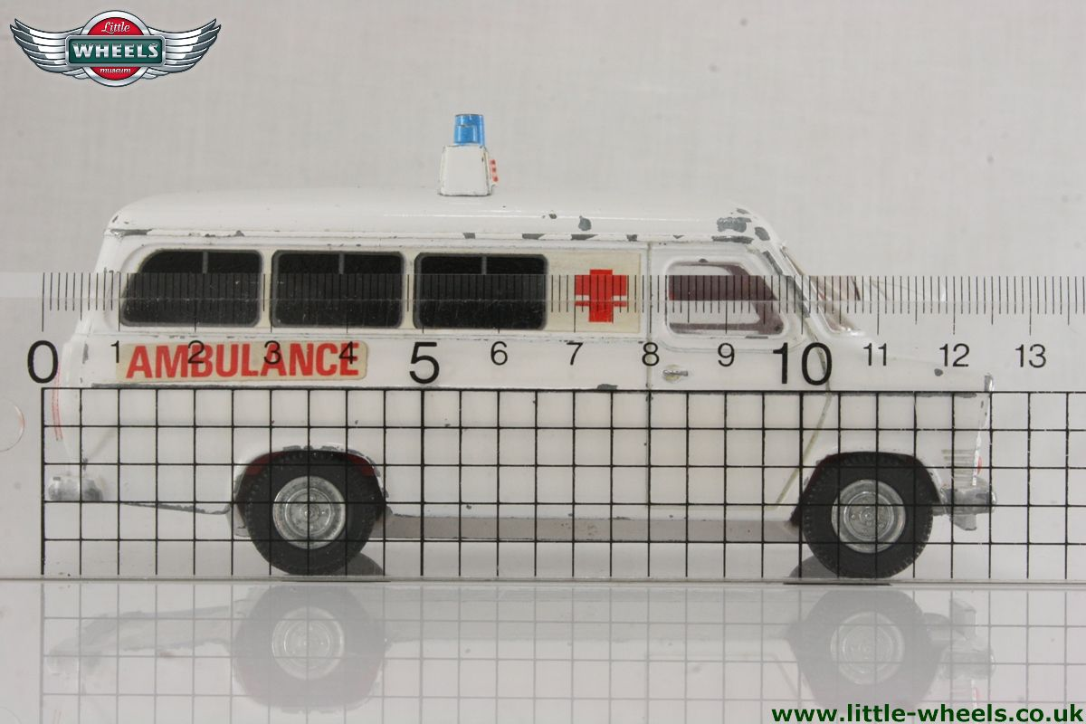 ford ambulance with Model 9852 on Model 9852 additionally 4x4firetruck as well Il chicago squad in addition Cars further La Cadillac De Sos Fantomes 1022719.