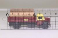 Classix EM76308; Austin K2 Truck; 4 Wheel Dropside, British Railways, Crates Load